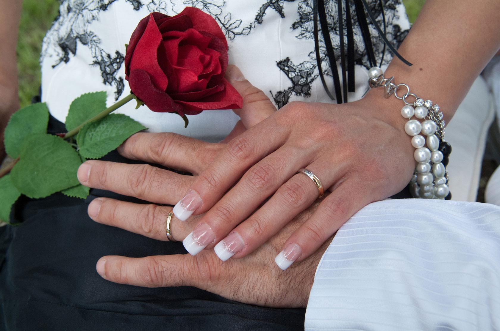 roberto-treccani-matrimonio-mani